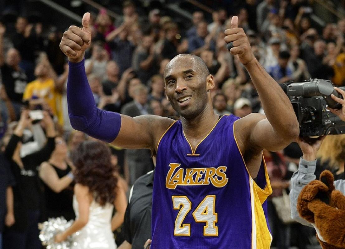 Kobe roba la atención