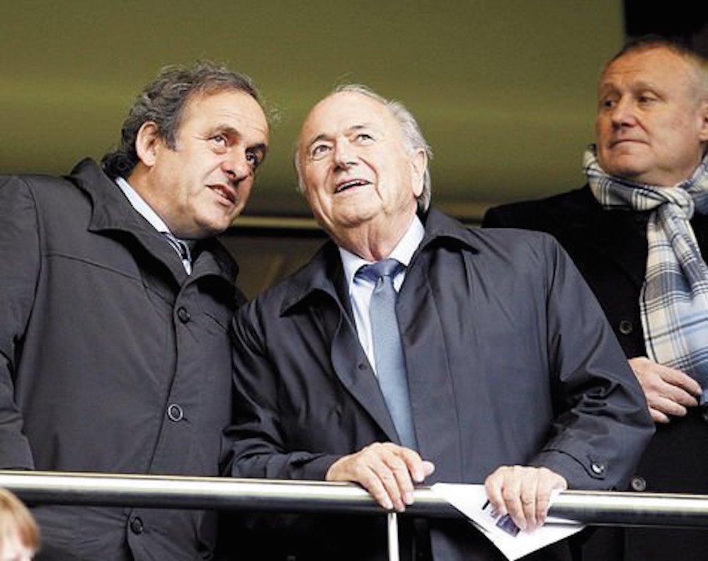 Le bajan la sanción a Blatter y Platini