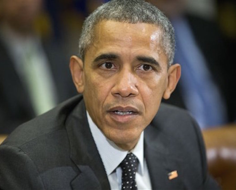 Obama felicita a los Broncos por su triunfo en el Super Bowl