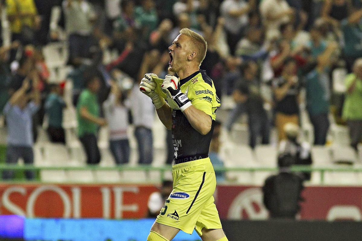 León se afianza en liguilla tras derrotar a Puebla