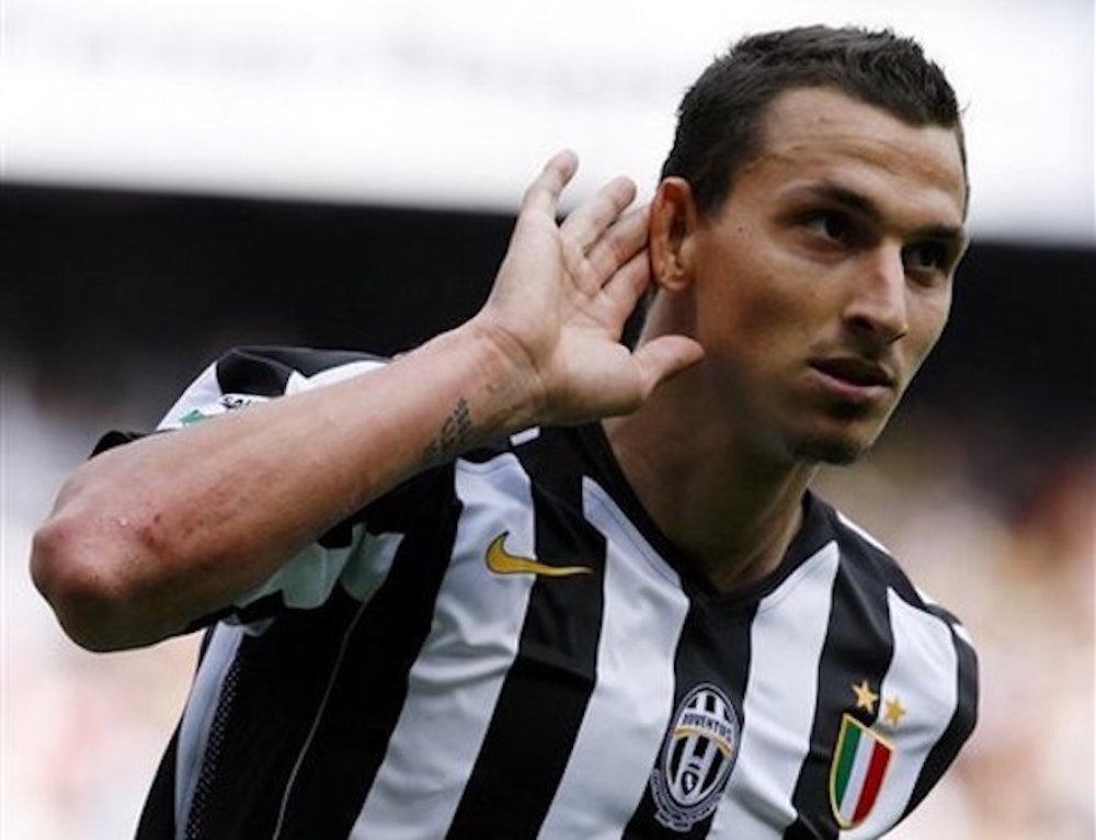 Le tiran con todo a Zlatan