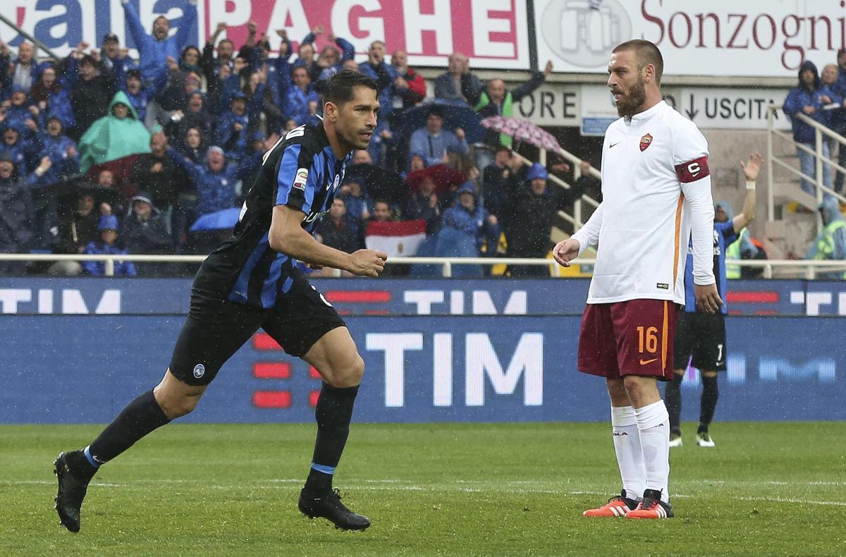 Roma empata y desperdicia oportunidad de acortar distancias con Napoli