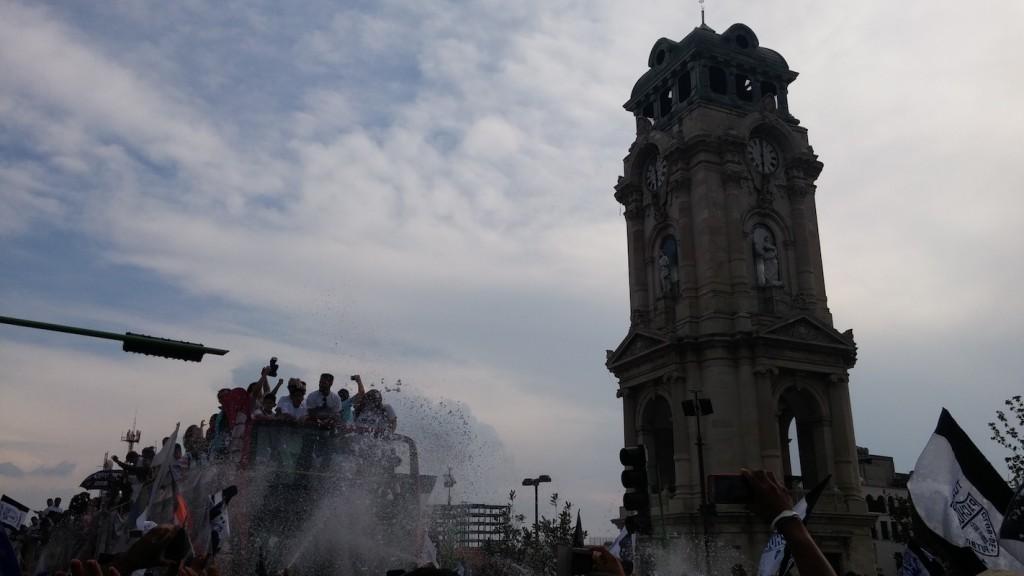 Foto: Sergio Juárez / El distintivo reloj monumental vio pasar a sus héroes.