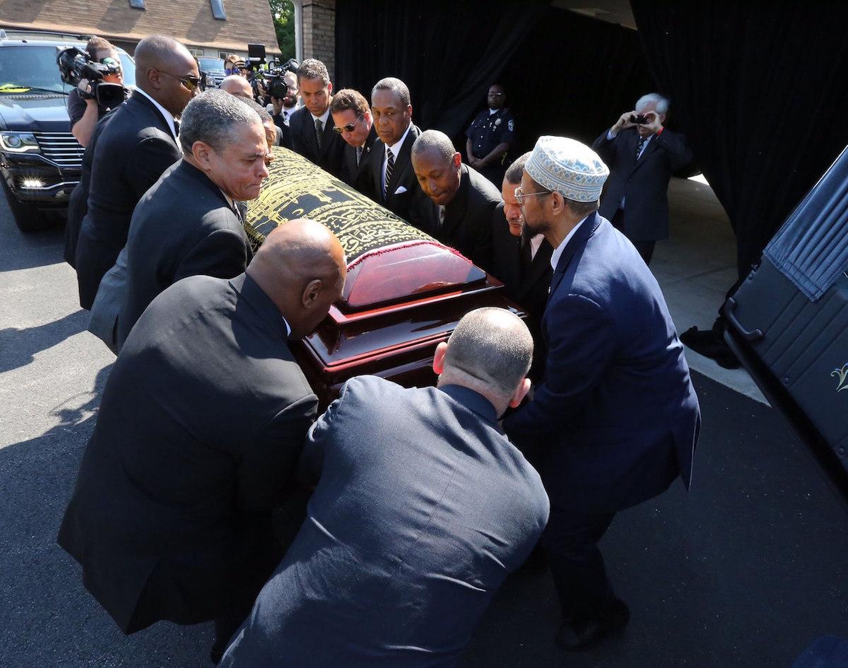 Miles dan el último adiós a Ali, el Más Grande. Foto: Reuters