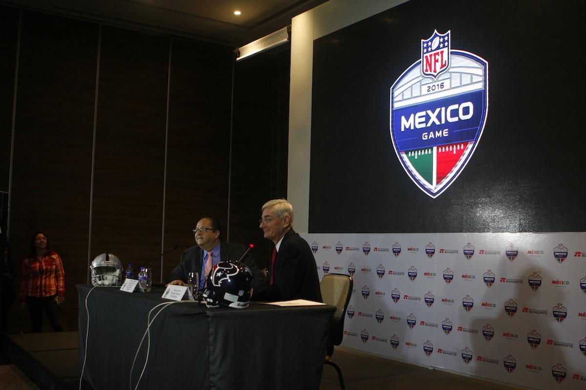 Presentación del juego de la NFL México. Bernardo Cid
