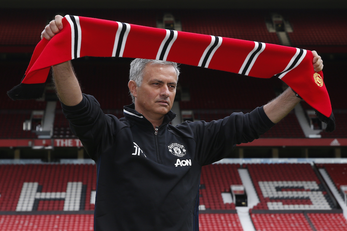 Presentación de José Mourinho con Manchester United. Foto: Reuters