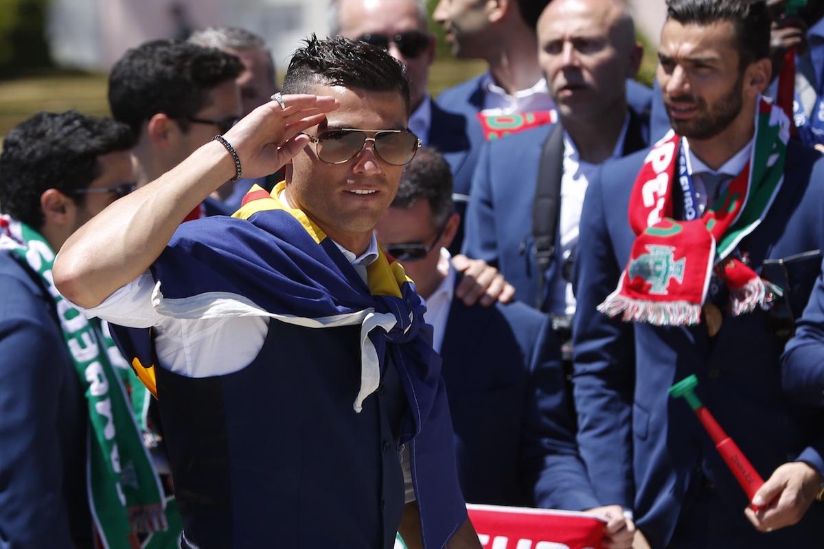 Cristiano, feliz por su primer título con la selección portuguesa. Foto: Reuters