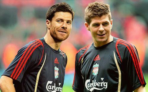 Steven Gerrard y Xabi Alonso, Foto Especial