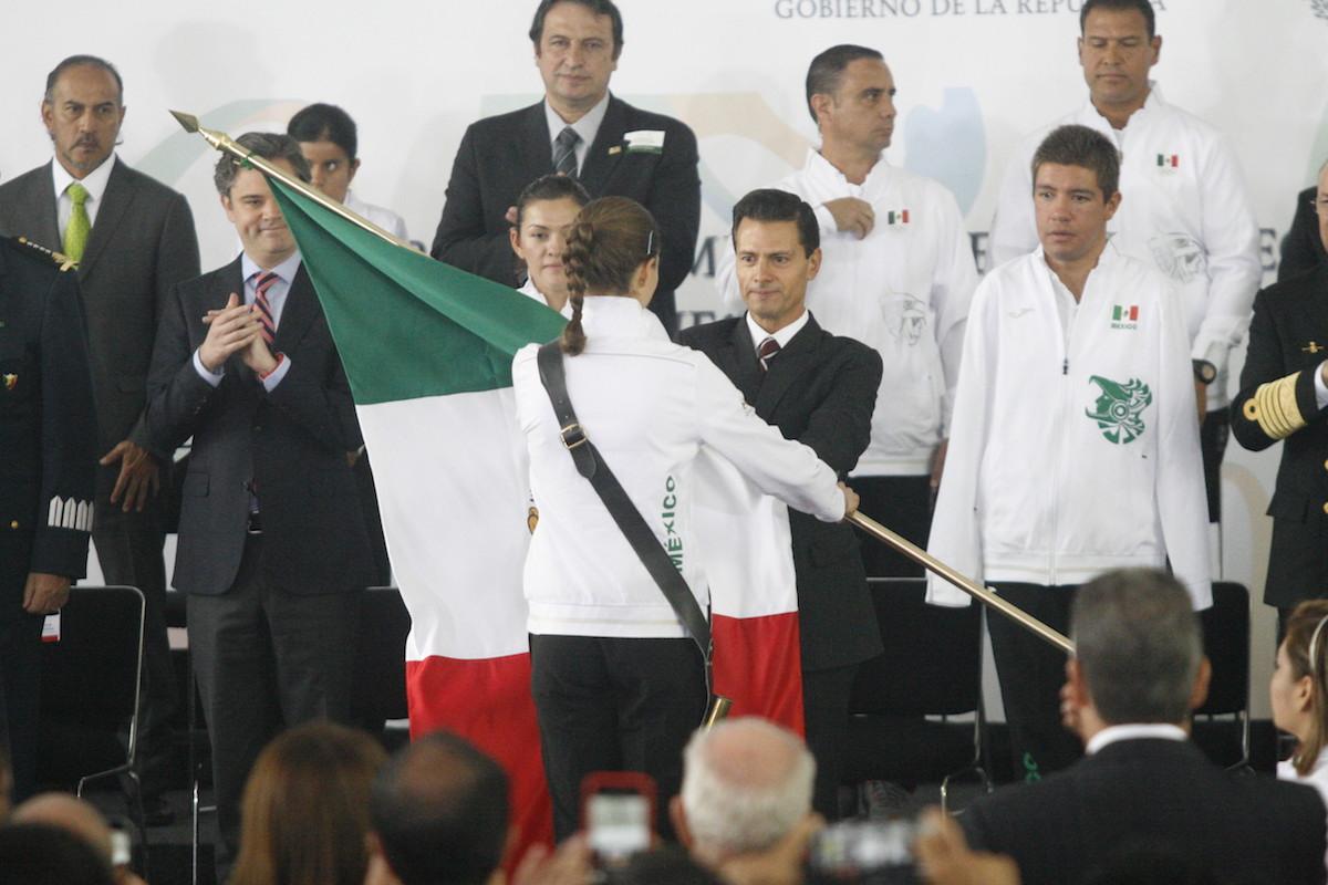 Abanderamiento de las Delegaciones Mexicanas que estarán en Río 016. Foto: Bernardo Cid