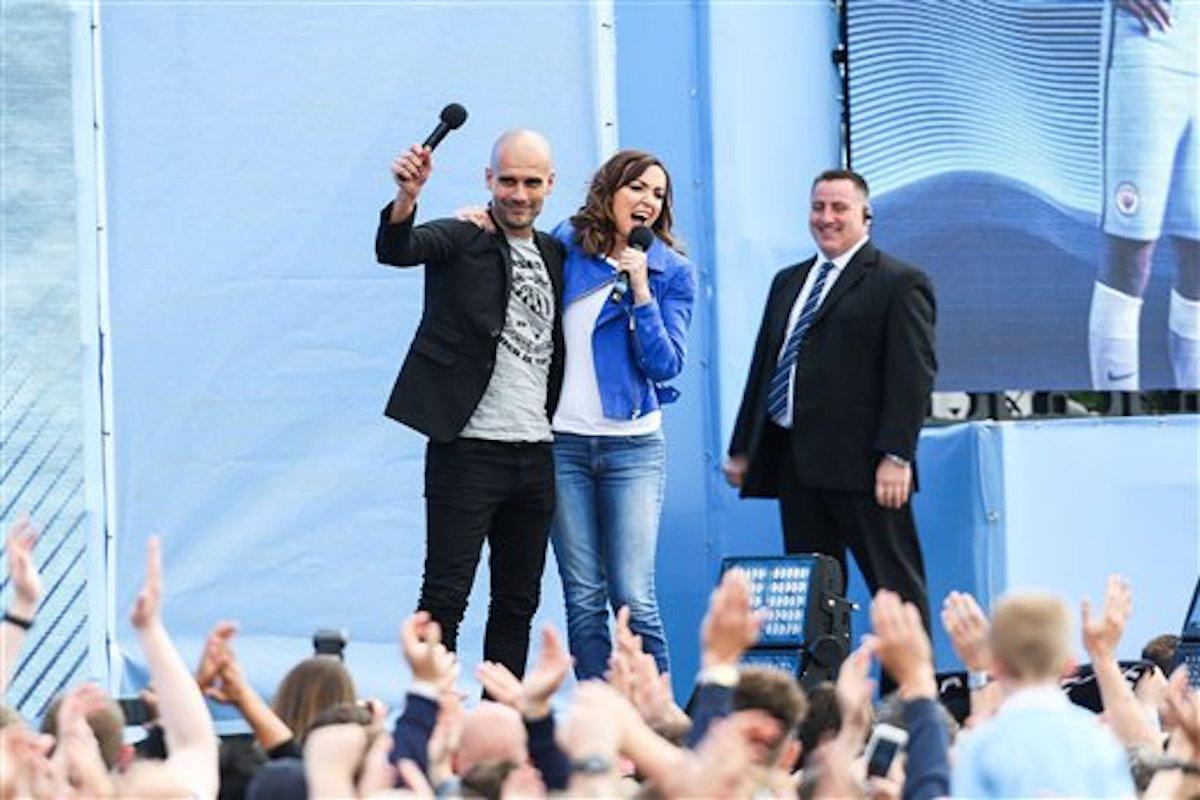 Josep Guardiola presentado como técnico del Manchester City.