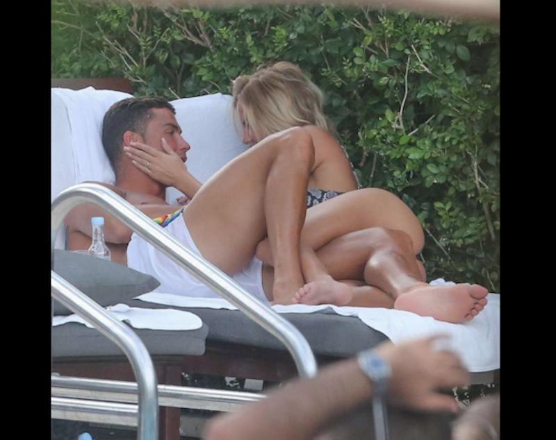 Cristiano en Miami junto a Cassandre Davis. Foto: FameFlynet
