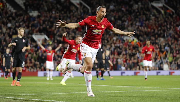 Ibra le da el triunfo al Manchester United