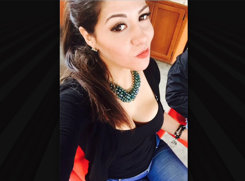 Marcela Flores, sexy aficionada de los Tigres. Foto: Twitter @MarceFloresR
