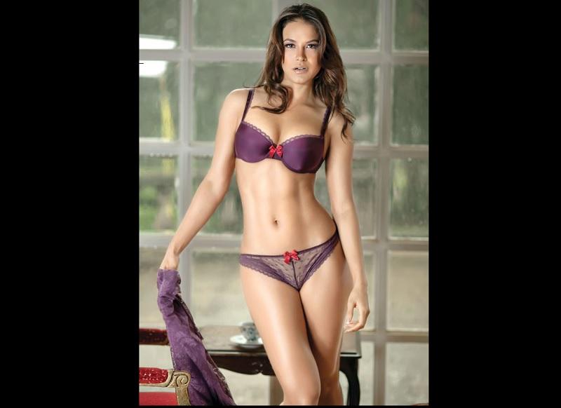 Georgina Holguín le da belleza y sensualidad a Reto 4 Elementos