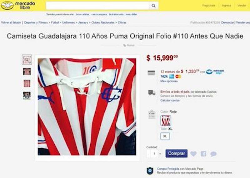 64cb7c1cf Precio de casi 16 mil pesos por el jersey de Chivas edición conmemorativa a  través de