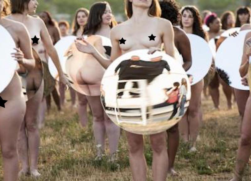 Mujeres se desnudan para protestar contra la misoginia de Trump. Foto: Lindsey Byrnes
