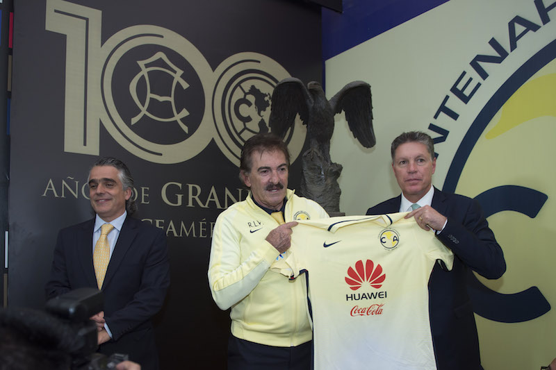 Ricardo La Volpe llegó para levantar el vuelo. Foto: Mexsport
