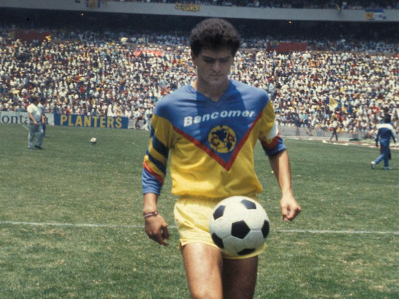 Carlos Hermosillo ganó varios títulos con el América. Foto: Mexsport