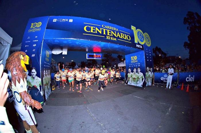 Fans asistieron a la carrera centenario