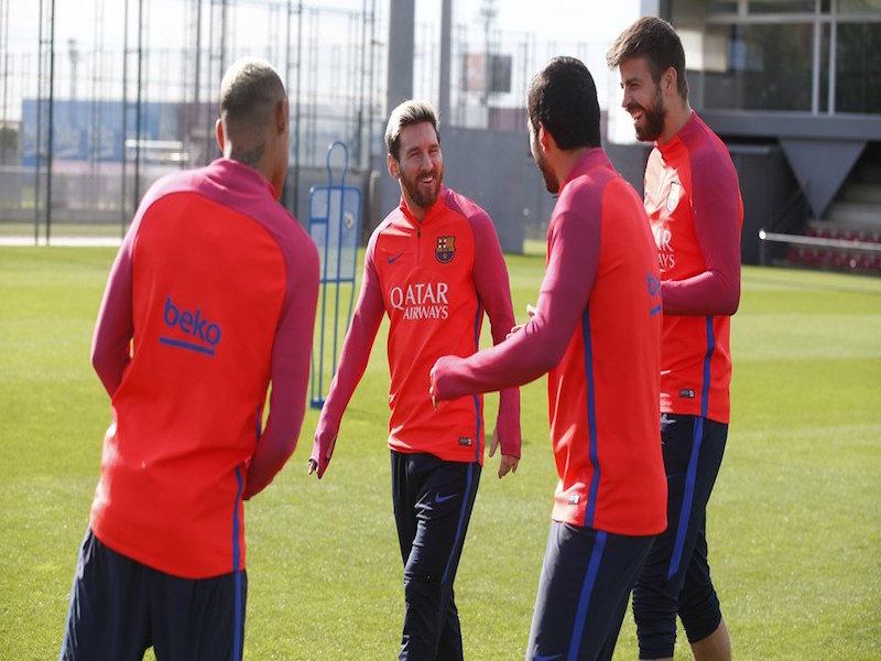 Les dieron con todo a Messi, Neymar y Luis Suárez