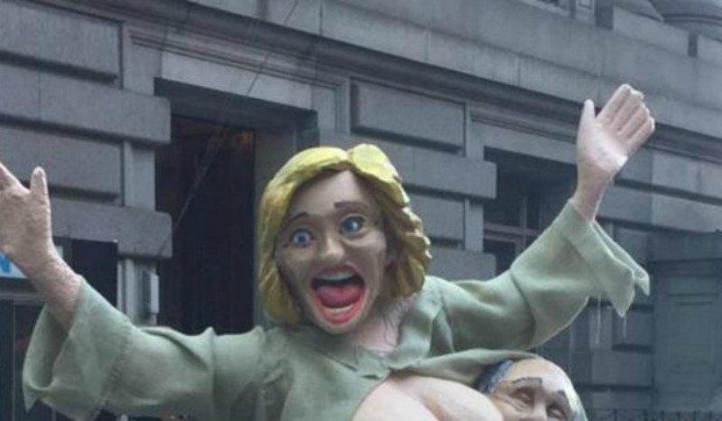 Desnudan a Hillary Clinton