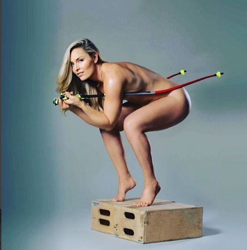 Foto desnuda para promocionar el libro 'Strong is the new beautiful ', de Lindsey Vonn, esquiadora estadounidense. Foto: Especial