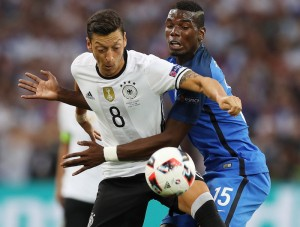 Mesut Özil, Paul Pogba Foto: Mexsport