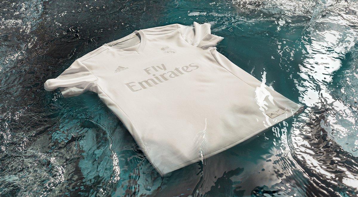 Real Madrid y Bayern Munich tienen nuevos uniformes hechos con material  reciclado 539809c1f5a3f