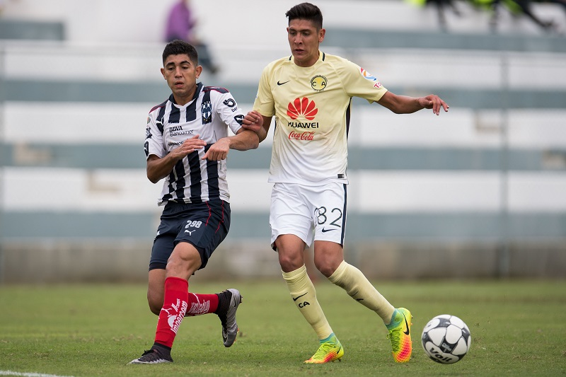 Action photo during the match Monterrey vs America, Corresponding at 12st round U-20 Forces Basics of the Apertura 2016 Liga MX. Foto de accion durante el partido Monterrey vs America, correspondiente a la Jornada 12 de Fuerzas Basica Sub-20 del Torneo Apertura 2016 de la Liga BBVA Bancomer MX, en la foto: (i-d) Juan Machado de Monterrey y Edson Alvarez de America 01/10/2016/MEXSPORT/Jorge Martinez.