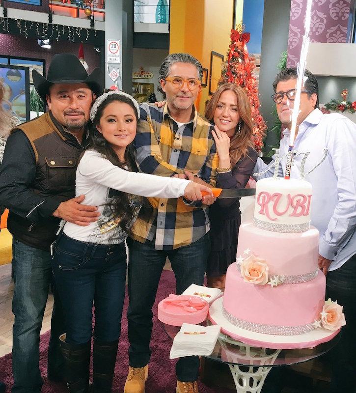 Rubí Ibarra, la quinceañera más famosa del planeta. Foto: @programa_hoy
