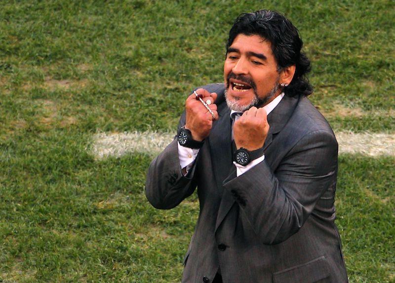 Maradona elogia a Ochoa, Lozano y Guardado