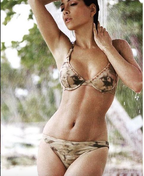 Manterola en bikini