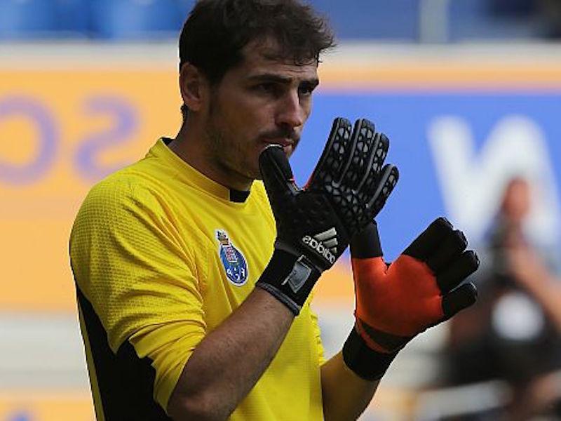 Iker Casillas se une a Yo X México gracias a Miguel Layún