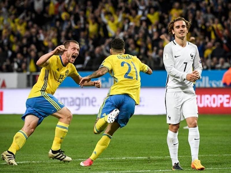 Suecia logra remontada y vence a Francia