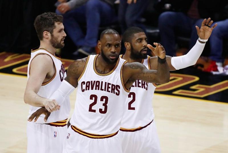 Los 'Cavs' se mantienen con vida en la Finales de la NBA
