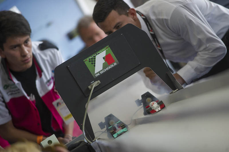 Fórmula 1 apuesta al talento de la juventud mexicana