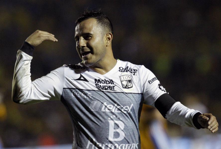 Luis Montes dejaría a León