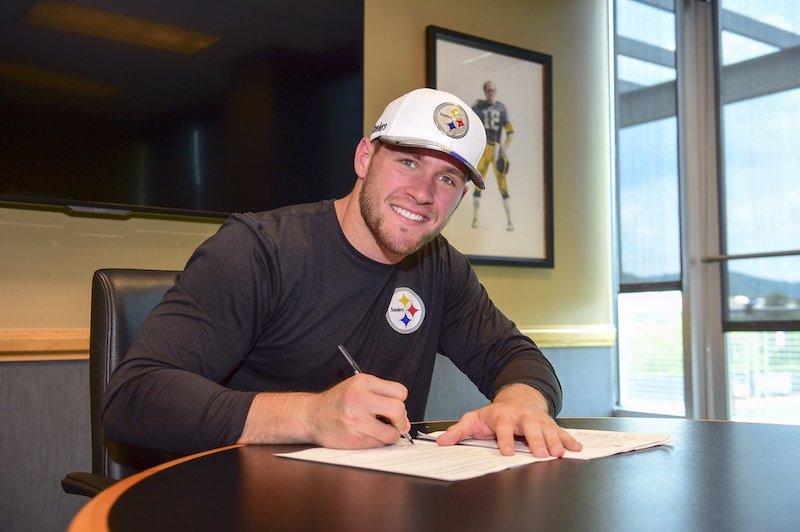 Steelers firman finalmente a TJ Watt, su 1era selección
