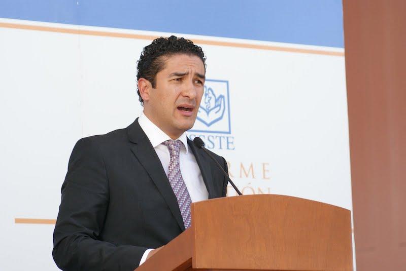 Presidente Municipal de Cuautitlán acusado de comprar votos