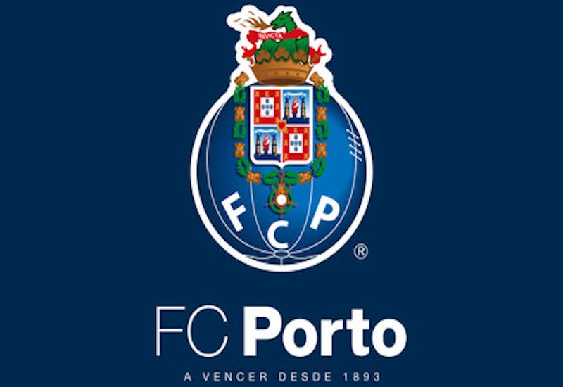 Porto ficha a otro mexicano