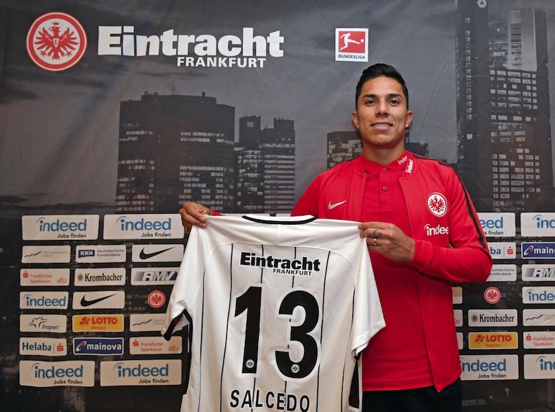 Salcedo, en el 11 ideal de fichajes en la Bundesliga