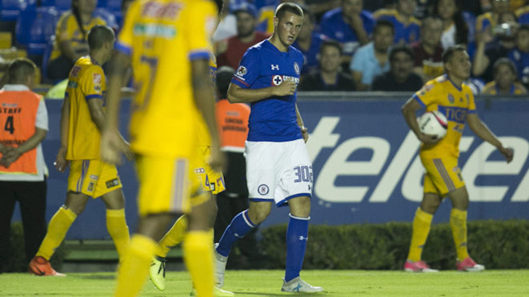 ¡Santiago Giménez debuta con Cruz Azul!