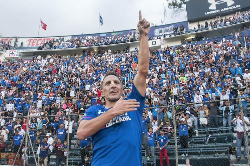 ac11d275f64d1 Christian  Chaco  Giménez no se retiraría con Cruz Azul - Estadio ...