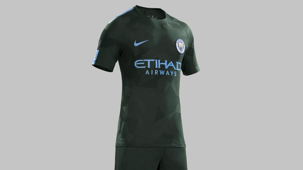 d48f94370d227 El Manchester City ha presentado en sociedad el nuevo diseño de la tercera  equipación para esta temporada
