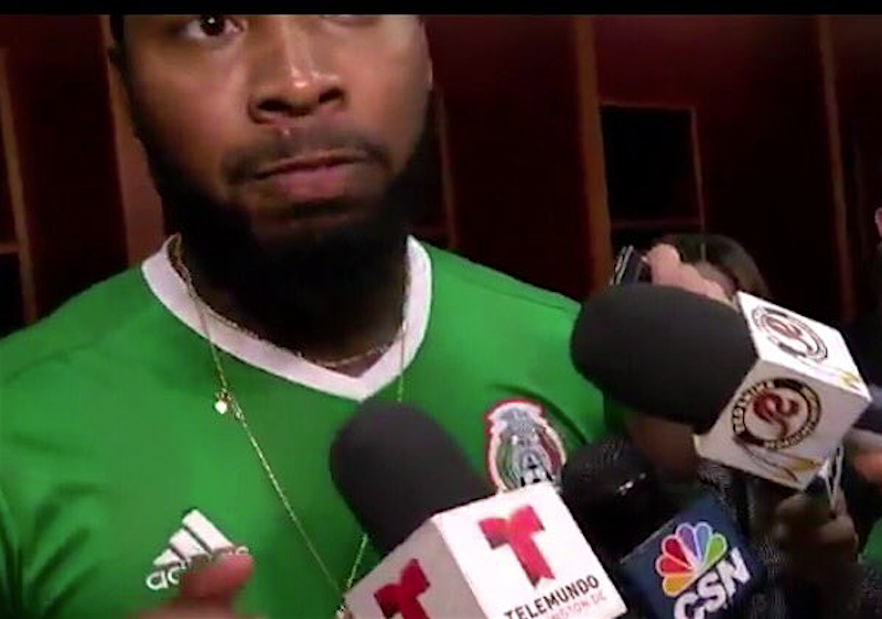 Jugador de los Redskins se pone jersey de México y arremete contra Trump