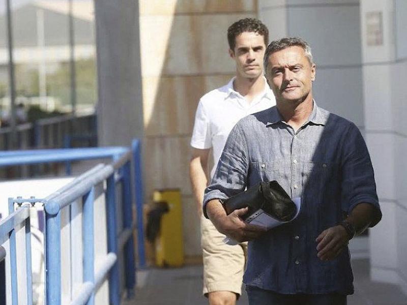 Villarreal cesa a su entrenador