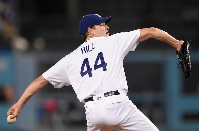 Rich Hill lidera a Dodgers en victoria 10-0 sobre Padres