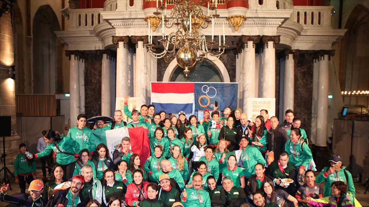 Triatletas mexicanos se cuelgan oro y bronce en Holanda