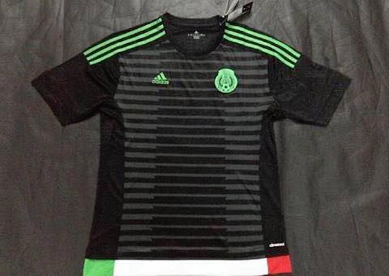 199c5219c6243 Negra Adidas - Estadio Deportes