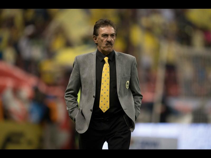 La Volpe regresaría a dirigir en la Liga MX